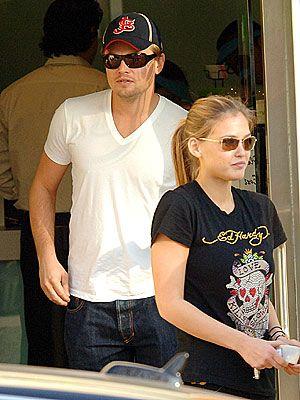 Bar Rafaeli ve Leanorda DiCaprio